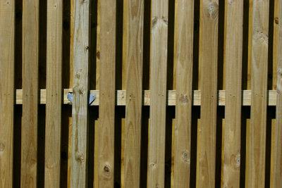 Wetterfestes Holz muss viel aushalten.
