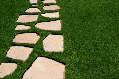 Trittsteine als Gartendeko herstellen.