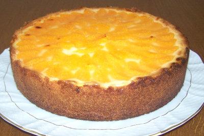 Der leckere Kuchen ist leicht gebacken.
