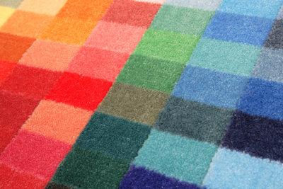 Trocknen Sie Teppiche einfach per Sauger.