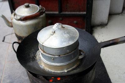 Ein Dampfeinsatz hilft Nährstoffe zu bewahren.
