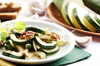 Zucchini eignen sich hervorragend für Antipasti.