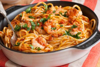 Spaghetti mit Pesto schmeckt immer.