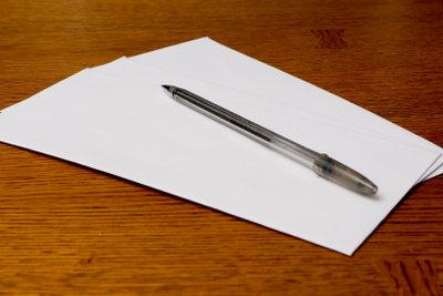 Schreiben Sie Absagen freundlich und sachlich.