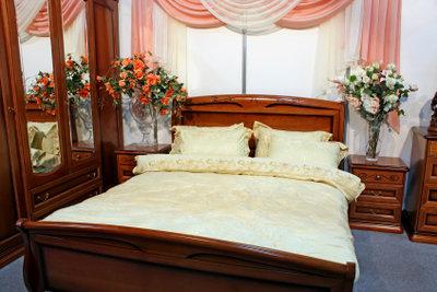 Restaurieren Sie ein altes Bett.
