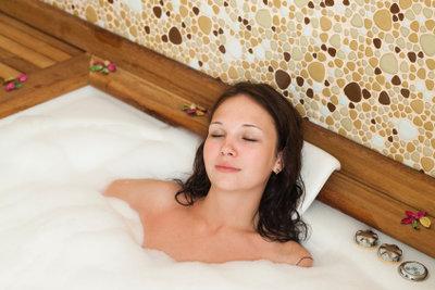 Ein Bad hilft bei Erkältung.