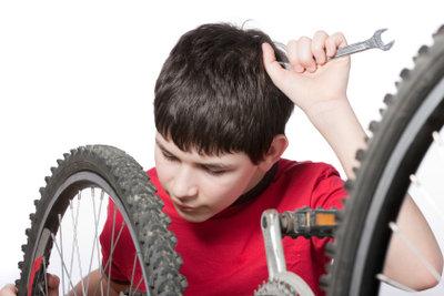 Auch Fahrräder müssen mal repariert werden.