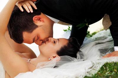 Küssen sollte immer behutsam geschehen.
