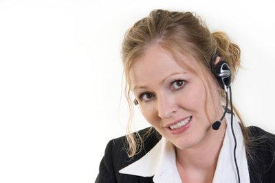 Mit Skype telefonieren Sie im Internet.