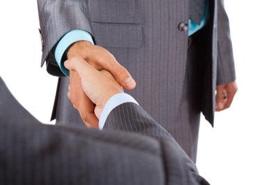 Auch ein Handschlag begründet ein Arbeitsverhältnis.