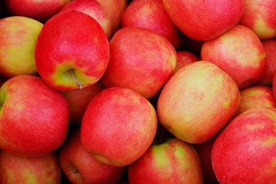 Bestimmte Apfelsorten bewähren sich im Garten.