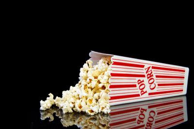 Popcorn passt auch zum Videoabend.