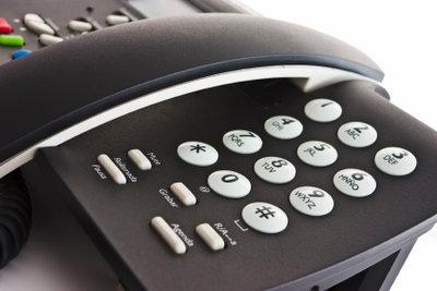 Jedes Telefon besitzt eine Rückruftaste.