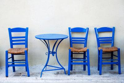 Stühle umzustreichen, lohnt sich.