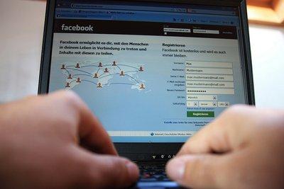 Jeder kann eine Facebook-Gemeinschaft gründen.