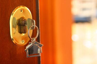 Haustüren sollte man immer richtig verschließen.