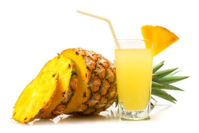 Ananas können Sie zu Hause züchten.
