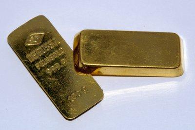 Messen Sie die Dichte von Gold.