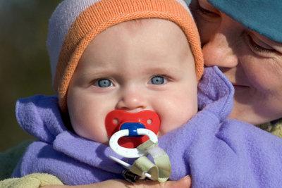 Eine hübsche Babyjacke nähen.