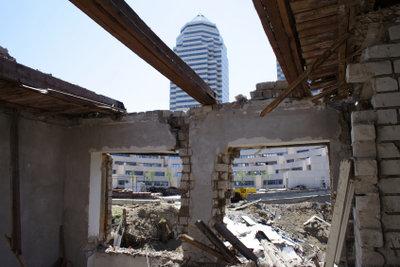 Vorsicht bei Sanierung asbestverseuchter Gebäude.