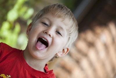 Schon Kinder sollten ihre Zunge trainieren