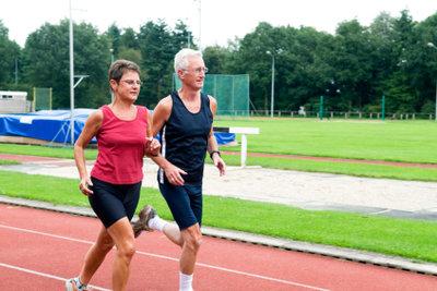 Beim Laufen können schmerzhafte Reibungen entstehen.