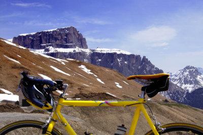 Das Rennradfahren ist eine sportliche Herausforderung.