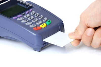 Lesegerät muss EC-Karte erkennen.