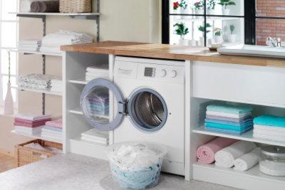 Die Crashbluse kann in die Waschmaschine.