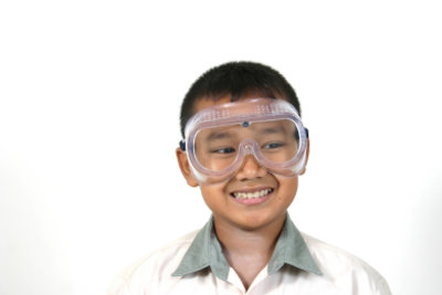 Physikalische Experimente machen Kindern viel Spaß.