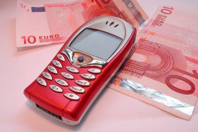 Ein Handy verursacht laufende Kosten.