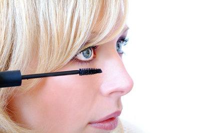Kleine Augen können optisch vergrößert werden.