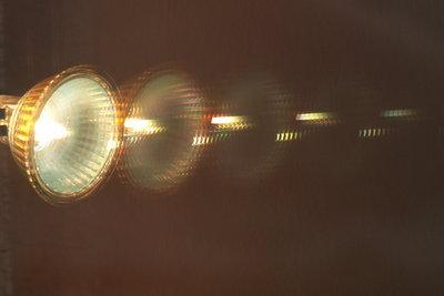 Hochvolt-Halogenlampen richtig anschließen