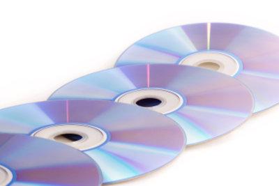 So kleben Sie CDs aus Polycarbonat.