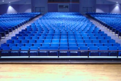 Dieser Theatersaal wird sich bald füllen.