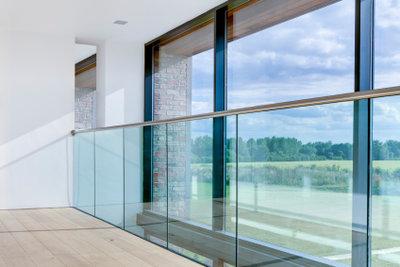 Beschlagene Fenster signalisieren zu hohe Luftfeuchtigkeit.