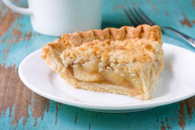 Apfelkuchen ist in vielen Varianten beliebt.