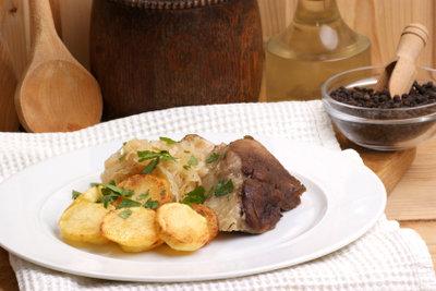 Mit Speisesalz gepökelt wird Fleisch grau.