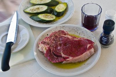 Ein T-Bone-Steak lässt sich ausgezeichnet grillen.