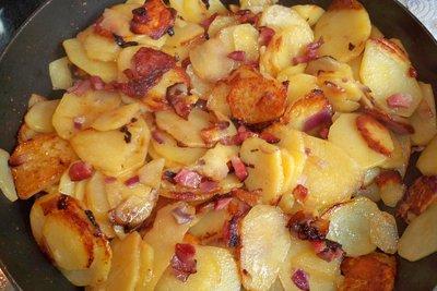Bratkartoffeln sind eine leckere Hauptbeilage