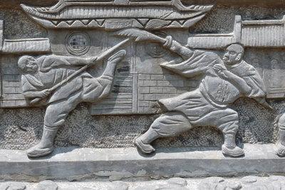 Auch im Kungfu gehört Stockkampf dazu.