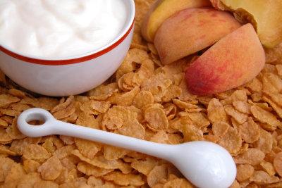 Griechischer Joghurt mit Honig gelingt leicht.