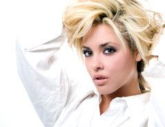 Schwarzen strähnen mit blond Blonde Haare