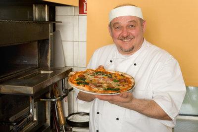 Auch Pizzabäcker brauchen einen Gesundheitsausweis.