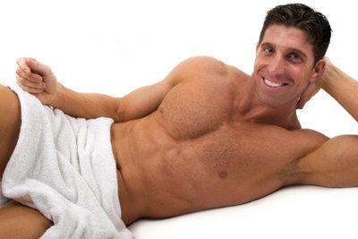 Die Seitenbauchmuskeln kann man effektiv trainieren.