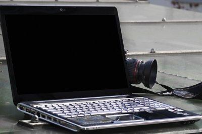 Ein entspiegelter Laptop-Bildschirm bringt viele Vorteile.