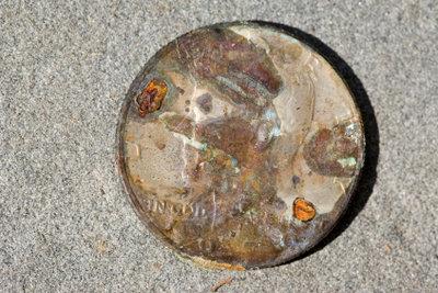Alte Münze - trotz Gebrauchsspuren wertvoll