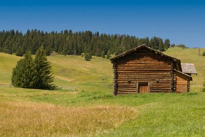Auch eine Holzhütte benötigt einen Bauplan.
