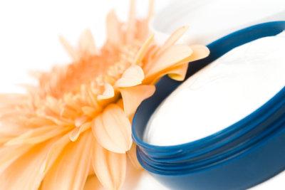 Gesichtscreme mit Milch selber machen.
