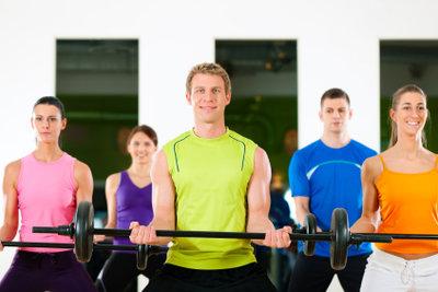 Mit Aerobic kann man Fitness erlangen.